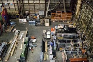 Qual a importância de armazenar o material corretamente?